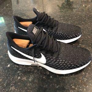 Nike Zoom Air Pegasus 35 Black/White